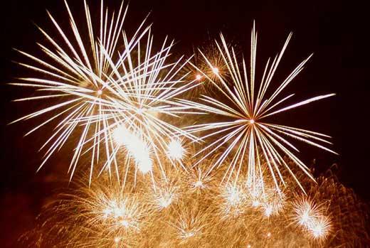 http://www.gpsmagazine.com/assets/happy_new_year_fireworks.jpg