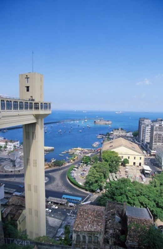 Giant elevator connecting upper and lower sections of the city. photo credit:http://gosouthamerica.about.com