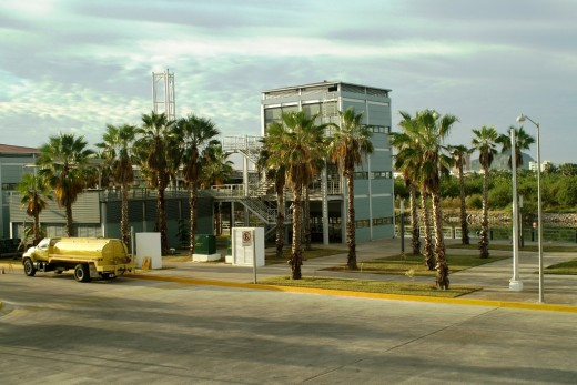 The Mazatlan SINGLAR Marina Offices - They ALL look the same! This marina also has a PEMEX fuel dock on site.