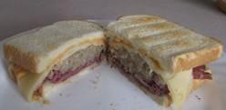 How to make the BEST Reuben Sandwich!