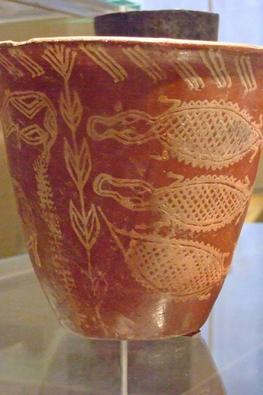 Predynastic pottery with Nile River scene from Early Naqada II (3650-3500 BCE). Image credit : flickr.com