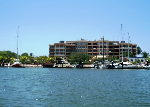 Costa Bonita Marina Resort - Sabalo Estuary, Mazatlan - Hard to find, but a well protected and quiet marina