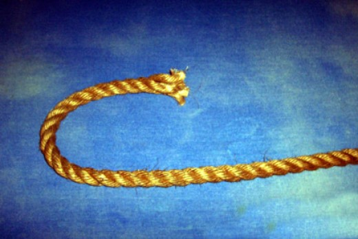 Cut the end of the rope evenly.
