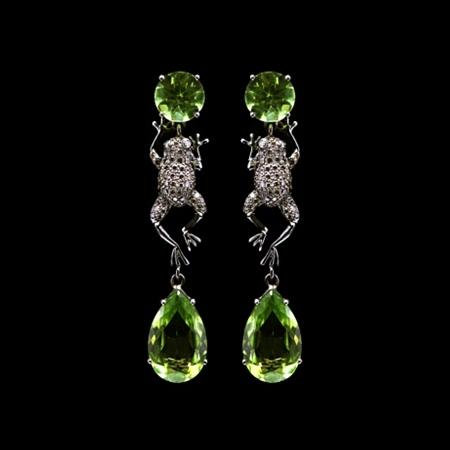 Peridot earrings from top10jewelryshop.blogspot.com