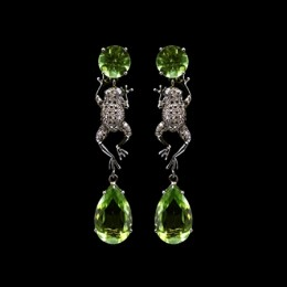 Peridot earrings from top10jewelryshop.blogspot.com