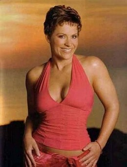Molly Holly (Nora Greenwald)