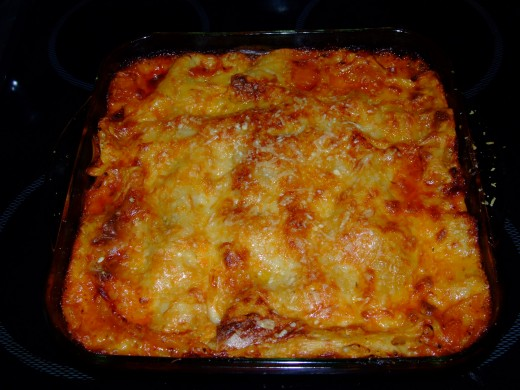 golden cheese...crispy top...rich tomato...melted cheese...mmmm!
