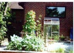 How To Build a 'French Potager Design' Style Vegetable Garden Making Raised Garden Beds With Brick Walls.