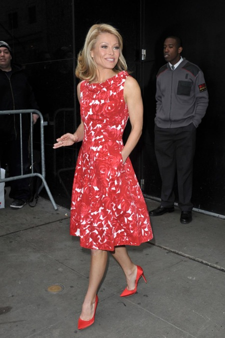 2009 Kelly Ripa courtesy of splendicity.com