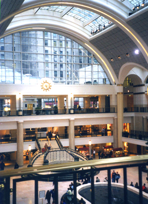 The main concourse: The Avenue at Tower City Center
