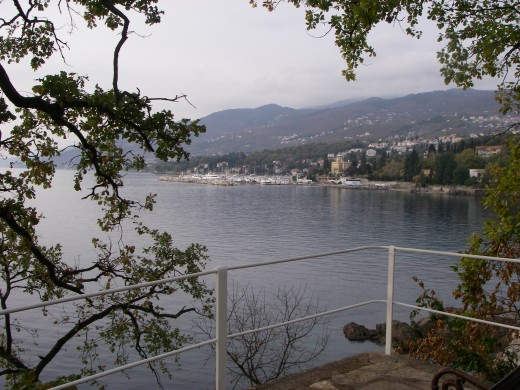 View of the riviera from the pathway