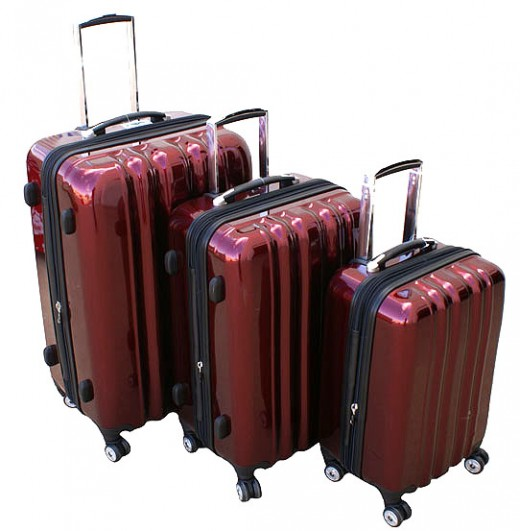 Heys USA zCase Collection 4-Wheel Spinners-Ruby Red     http://www.airlineinternational.net/heusazco.html