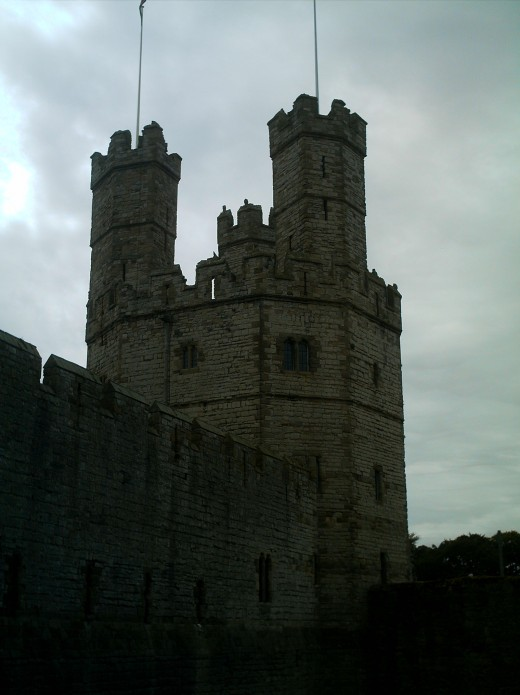 Edward I of England spent a great deal of time, and money ensuring that he held his new lands in Wales. He built major castles at Caernarfon, Cricieth, Harlech, Beaumaris, and Conway