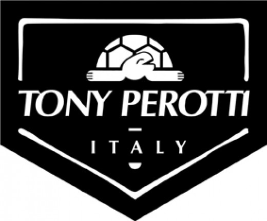 TONY PEROTTI ITALY - Handcrafted Leathergoods    http://www.airlineinternational.net/topeit.html