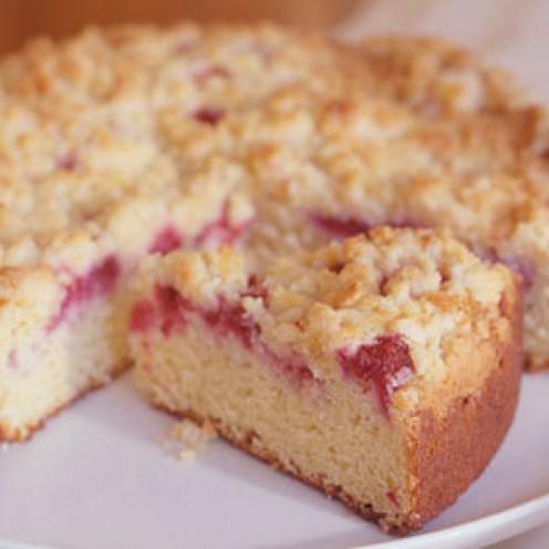 Raspberry Sour Cream Crumb Cake