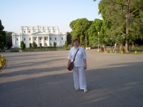 Outside Qaid-e-Azam library September 2005