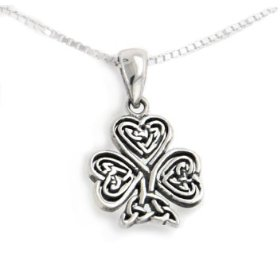 Buy this unique Celtic knot clover necklace as a beautiful St. Patrick's Day gift!