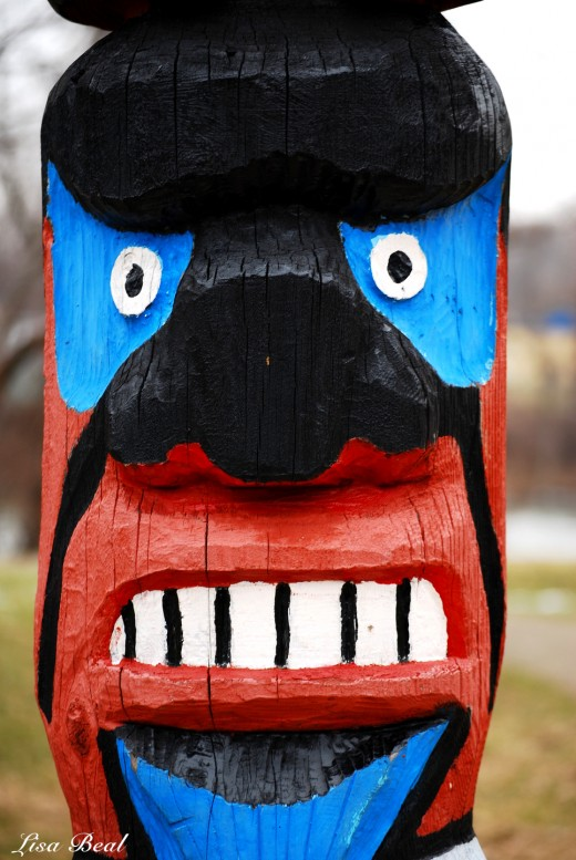 Just a silly face on a totem pole.
