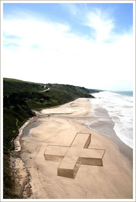 http://abduzeedo.com/sand-drawings-jim-denevan