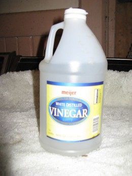 how to clean garbage disposal with baking soda and vinegar