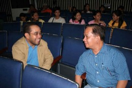 Dr. Carlo 'Caloy' Arcilla and Dr. Bernardo Soriano exchange views on Physics and Meteorology.