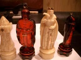 Amber chess set from amberworkshop.com