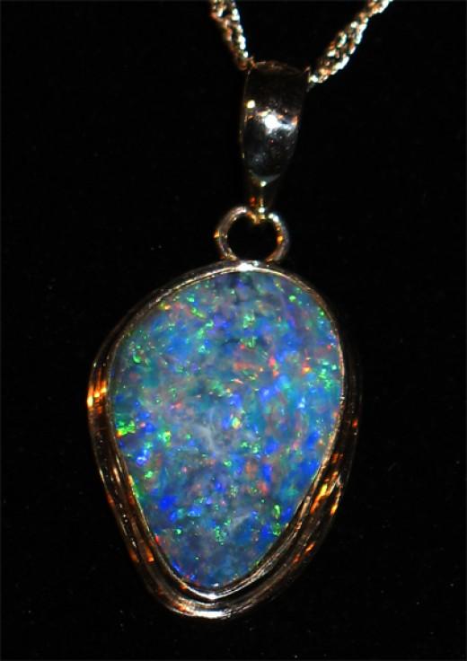 Opal pendant from zanzibartribalar.com
