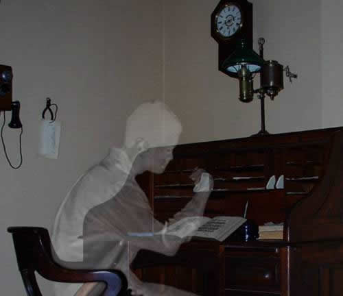 http://www.washingtonjobpost.com/images/ghostwriter.jpg