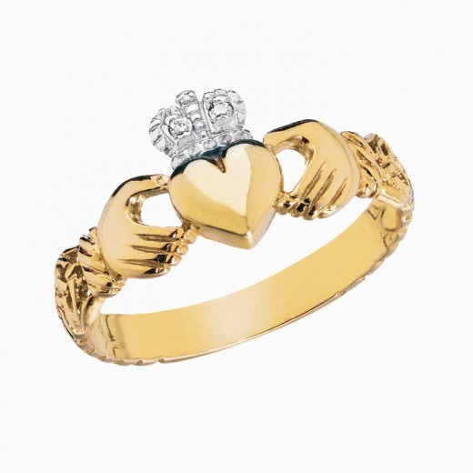 Gold Claddaugh Ring