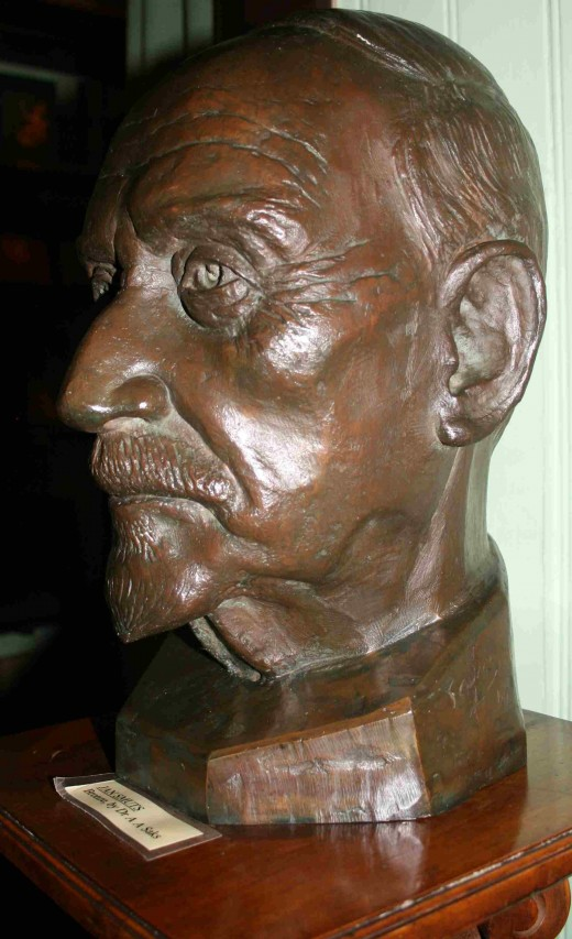 Bust of Smuts