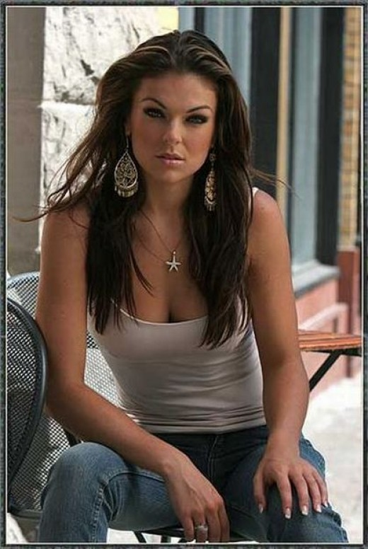 The splendiferous Serinda Swan. (Try saying that three times fast!)