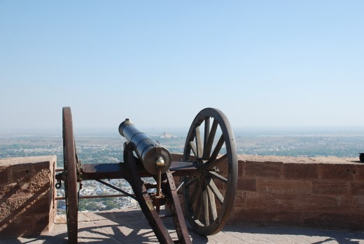 Canon on the fort, overlooking the city