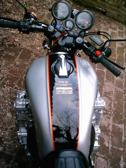 Honda CBX1000 tank and instruments public domain image from Wikimedia Commons