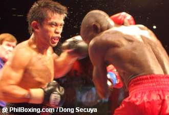 After 10 solid rounds, Gorres (left) defeated the hardboiled Otieno at the Cebu City Hotel and Casino, May 31, 2008