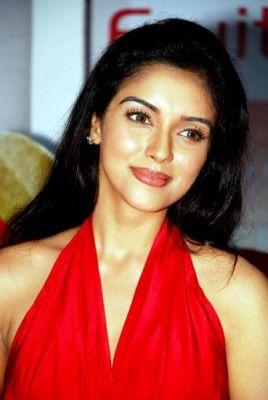 Asin Hot Actress