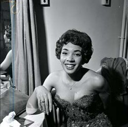 A young Shirley Bassey