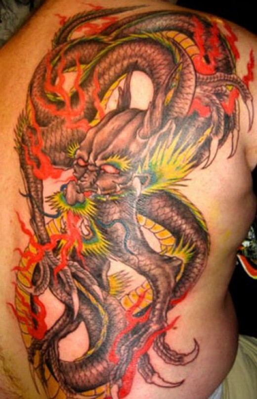 Dragon tattoo art idea.    Image taken from http://1st-japanesetattoos.blogspot.com copyright 2010.