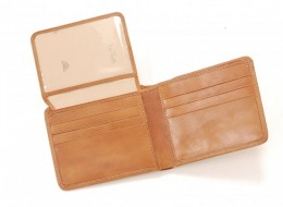 Tony Perotti Passcase Wallet with Flipper ID Window    http://www.airlineinternational.net/topeprbiflid.html