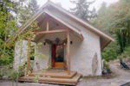 A little charmer! could be adapted to look like my favorite hobbit home