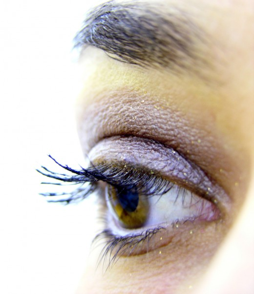 Eyebrow implants can help you achieve that natural look.