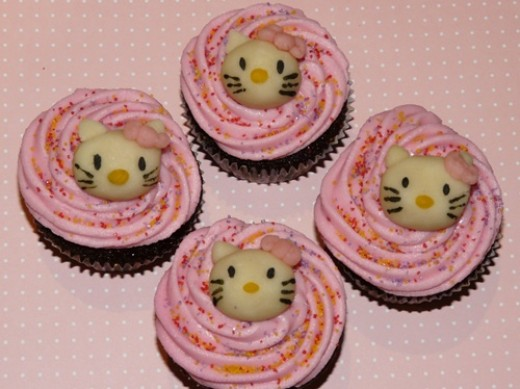 Hello Kitty Cupcakes from Flickr Little Miss Cupcake Paris