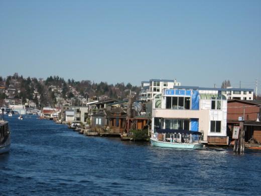 Float homes everywhere!