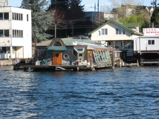My very favorite float home near the I-5 bridge