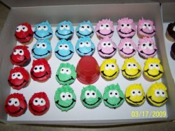 Puffle Cupcakes courtesy of Cage Free Monkeys