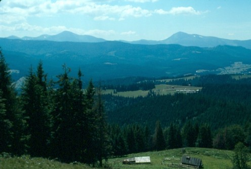 Hoverla (L) and Petros (R) from above Vorokhta.