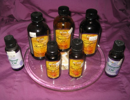 Peppermint oil, Eucalyptus oil, Wintergreen oil, Hyssop oil, Geranium oil, Clove oil, Rosemary oil