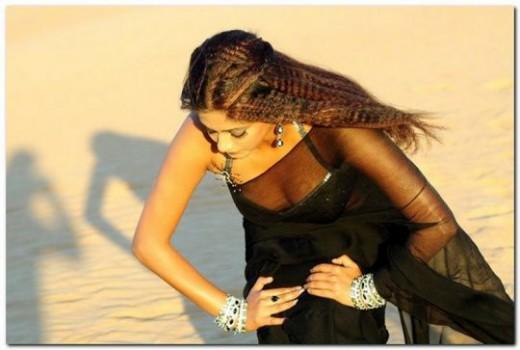 Saree Boobs show priyamani