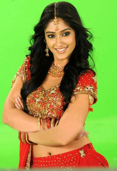 Smiling Telugu Actress Ileana
