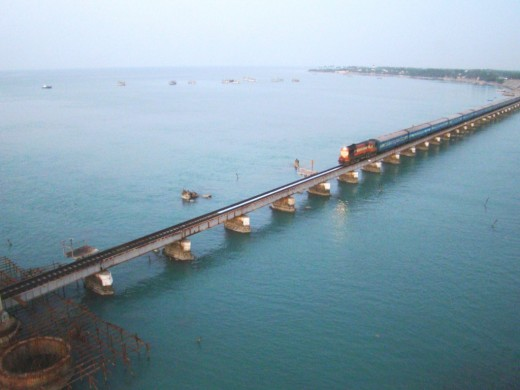 A train approaching the Pamban bridge