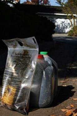 Oil Filter and Used Oil to be Recycled (Flickr)